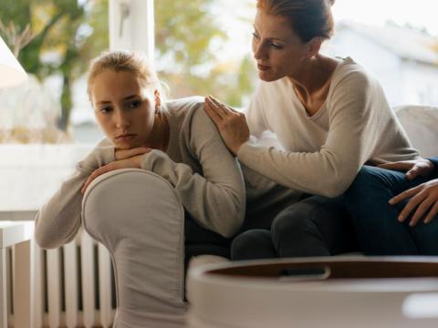 Es posible que estés tú más desolado después de una ruptura amorosa de tus hijos que ellos mismos.