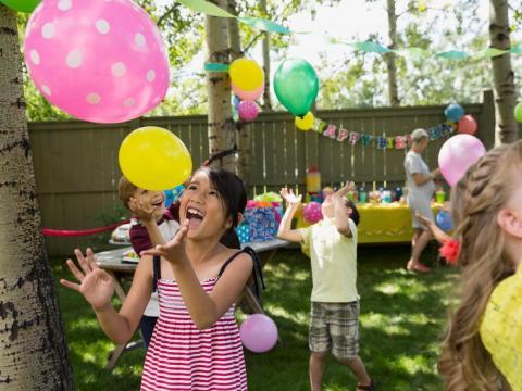 Te invitarán a fiestas de cumpleaños de niños.