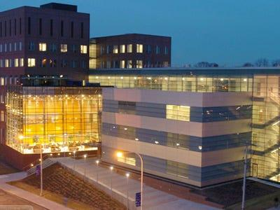 23. Whitman School of Management en la Universidad de Syracuse