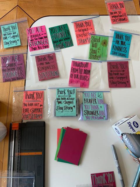 Alden también escribe mensajes de ánimo.