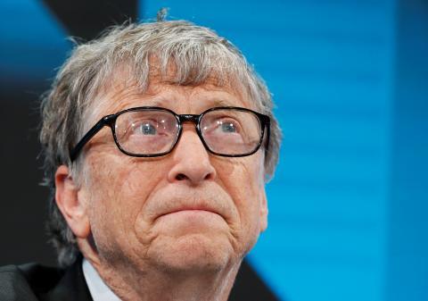 Bill Gates estima que solo en el mejor de los escenarios se podría tener una vacuna contra el coronavirus a finales de año