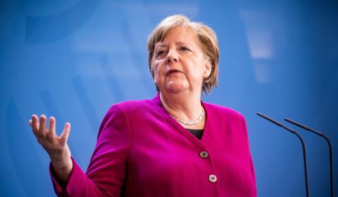 La canciller alemana, Angela Merkel, en una rueda de prensa tras el Consejo Europeo