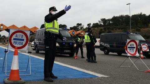 Control policial en frontera.