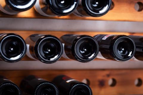 Fondo de botellas de vino