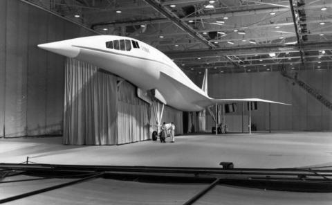Lockheed L-2000