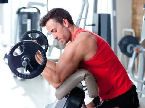 Mito: El levantamiento de pesas convierte la grasa en músculo.
