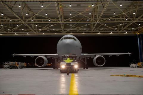 """El Airbus A310 """"Medevac"""" en Colonia, Alemania, antes de su partida a Bérgamo el 28 de marzo."""