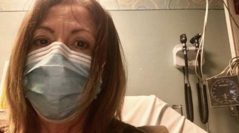Rosemary O'Hara, editora del South Florida Sun Sentinel, comentó que sentía que necesitaba una máscara de oxígeno