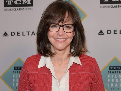 Sally Field afirmó haber asumido el papel por trabajar con la productora.