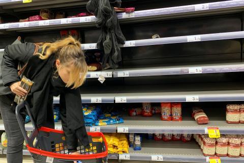 Supermercado vacío en Madrid.