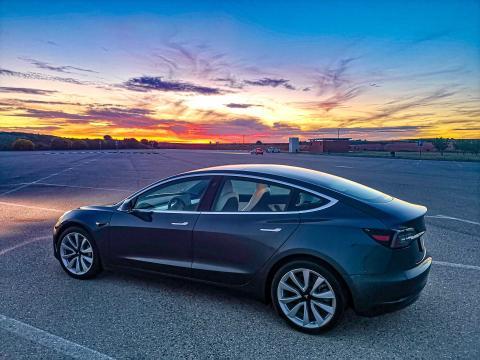 Tesla Model 3 probado por Business Insider España