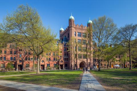 Edificio emblemático de la universidad de Yale.