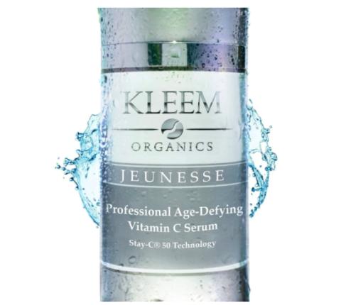 Vitamina C y ácido hialurónico de Kleem Organics.