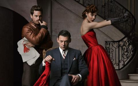 De izquierda a derecha, Tom Riley, Richard Coyle y Jenna Thiam en The Collection.