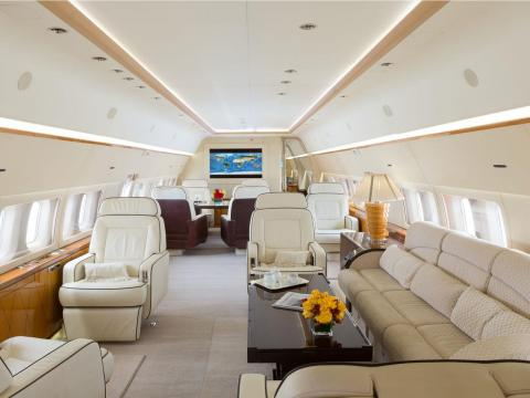 El Boeing Business Jet 737 de Tony Robbins.