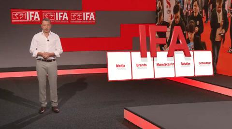 Director ejecutivo de la IFA, anunciando que el evento será presencial.