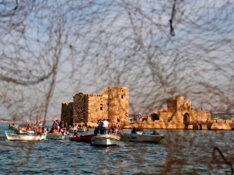 El Castillo del mar de Sidon se encuentra a orillas de Sidón, Líbano.