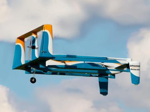 Un dron de reparto de Amazon Prime Air