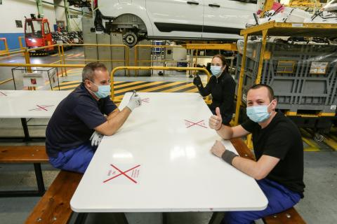 La fábrica de Ford en Valencia vuelve al trabajo