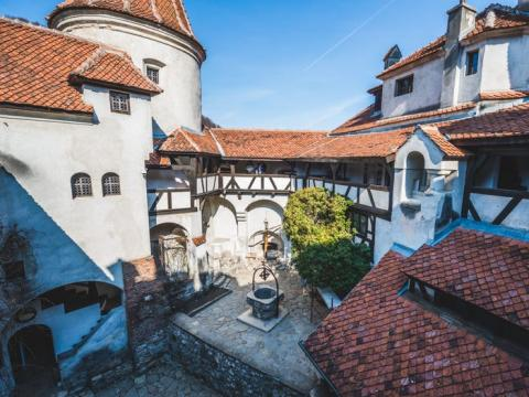 El castillo de Bran está en Rumania.