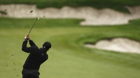 Un jugador de golf.