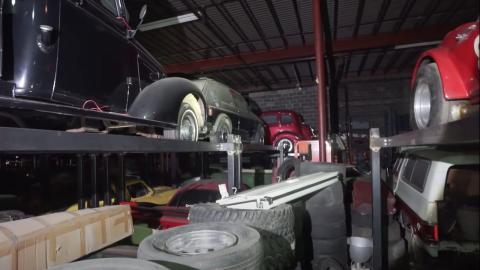 Varios coches de la colección.