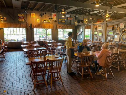 Un restaurante de Georgia reabierto tras el confinamiento de mayo.