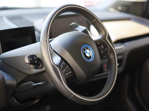 Todos los picaportes y botones de tu coche deben limpiarse de vez en cuando.