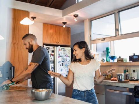 Puedes organizar una cita en casa.