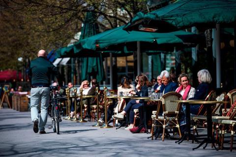 Un restaurante en Estocolmo el 8 de mayo de 2020