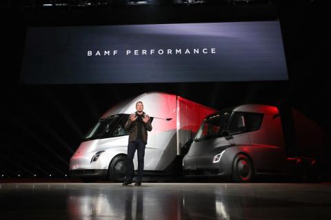 Elon Musk presenta el Tesla Semi.