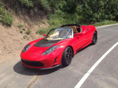 El Tesla Roadster original.