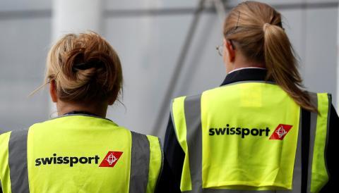 2 trabajadoras de Swissport en el aeropuerto de Schipol (Países Bajos)