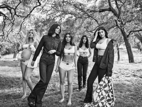 Un anuncio de Calvin Klein con Kourtney Kardashian.