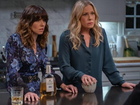"Linda Cardellini and Christina Applegate costar in ""Dead to Me."""