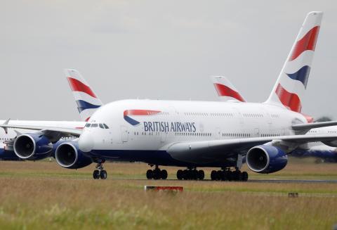 Un Airbus A380 de British Airways en el aeropuerto francés de Chateauroux durante la pandemia del COVID-19.