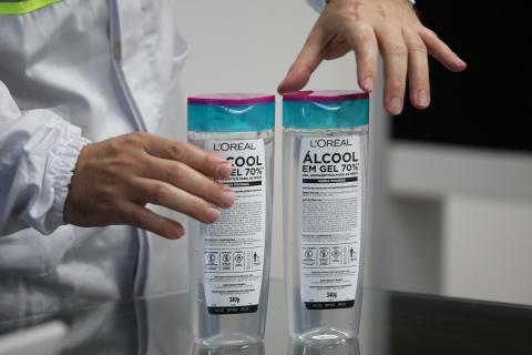 Alcohol en gel desinfectante.