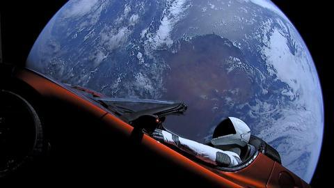 Tesla Roadster original de Elon Musk en el espacio.