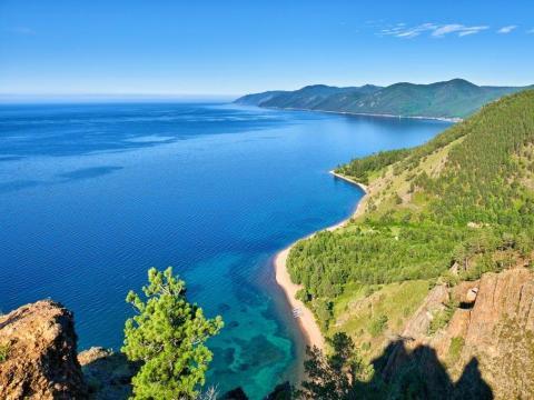 El lago Baikal está situado en el centro-sur de Rusia.