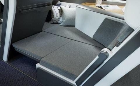 El asiento se extiende y el cuerpo puede extenderse a un lado.