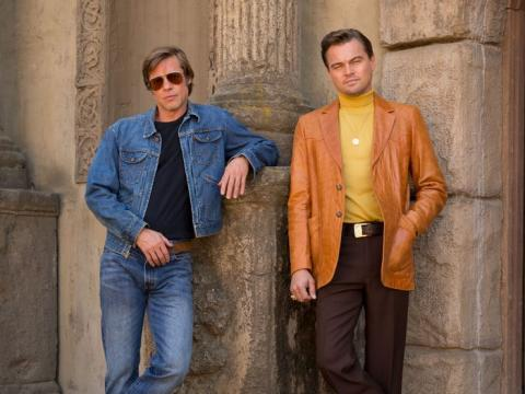 Brad Pitt y Leonardo DiCaprio en un cartel promocional de 'Érase una vez... en Hollywood'.