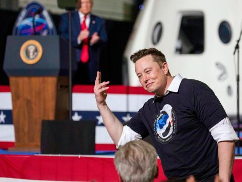 El CEO de SpaceX, Elon Musk, durante la celebración del lanzamiento el pasado sabado.