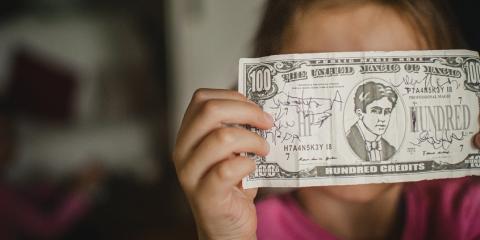 Dar la paga a los niños