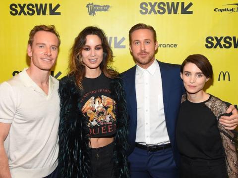 """Michael Fassbender, Berenice Marlohe, Ryan Gosling y Rooney Mara asisten al estreno de """"Song To Song"""" en la Conferencia SXSW 2017."""