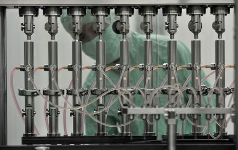 Fabricante de vacunas en el Instituto de Productos Biológicos de Wuhan