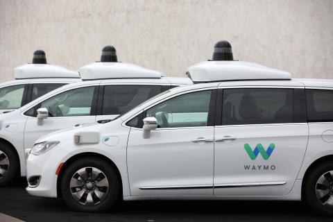 La flota de coches autónomos de Waymo