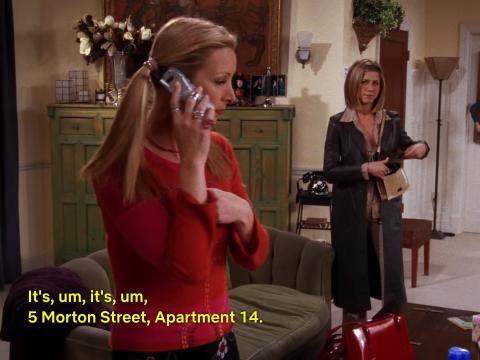Phoebe revela su dirección en 'El del nuevo cerebro de Joey'.