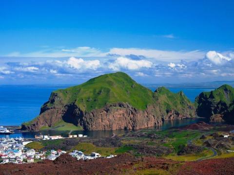 Islandia experimenta un gran evento volcánico aproximadamente cada cinco años.