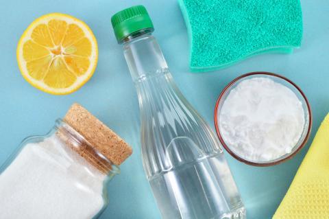 Ingredientes y materiales para hacer detergente casero