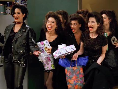 Las hermanas de Joey en 'El de cuando Chandler no recuerda qué hermana era'